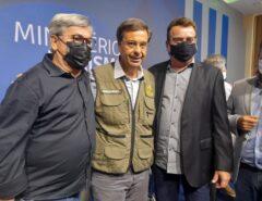 Tomba Farias comemora assinatura de convênio de 1,2 milhão para teleférico de Santa Cruz