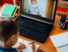ESCOLA: Escolas usam tecnologias para conter a cola online