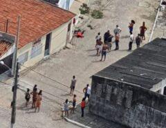 VEJA AS FOTOS: Assaltante morre após tentar roubar carro de policial militar no Barro Vermelho