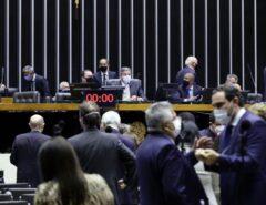 Câmara aprova texto-base da proposta de reforma do Imposto de Renda