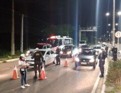 Operação Lei Seca autua 104 motoristas por embriaguez ao volante e prende um foragido em Natal